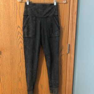 Aerie Dark Grey Leggings with Pockets Size Small